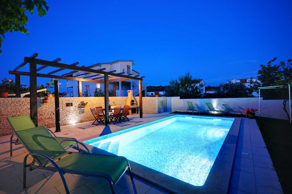 Apartmaji House with pool Pula